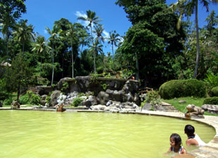 Yeh Panas Natural Hot Spring Resort, Penatahan (インドネシア)